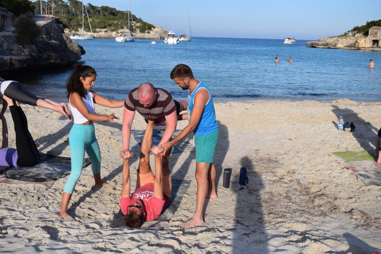 Sail & AcroYoga in der griechischen Inselwelt